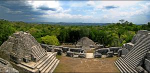 800px-Panorama_atop_Caracol